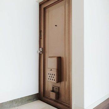 玄関には靴棚が無いのでつくりましょう!※写真は前回募集時のものです