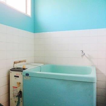お風呂はバランス釜。しっかり追い炊きできますよ。※写真は前回募集時のものです