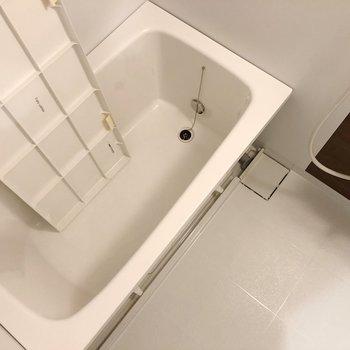 このお風呂に1番に入れるのはあなただけですよ。(※写真は工事中のもので、2階の反転間取り別部屋のものです)