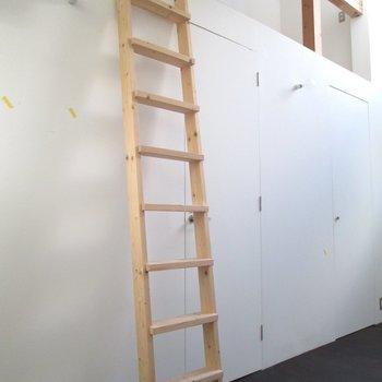 階段で上に行くと〜※写真は前回募集時のものです