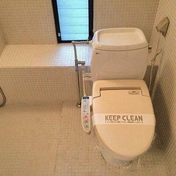 トイレはその隣に。(※写真は4階の同間取り別部屋のものです)