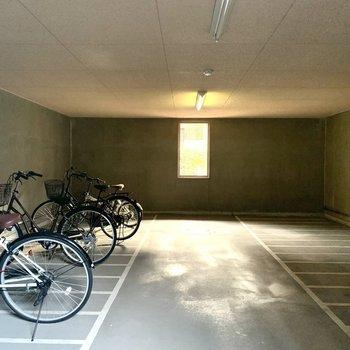 【共用部】自転車は枠が決められています