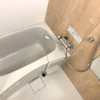 お風呂はお部屋と雰囲気を合わせて。