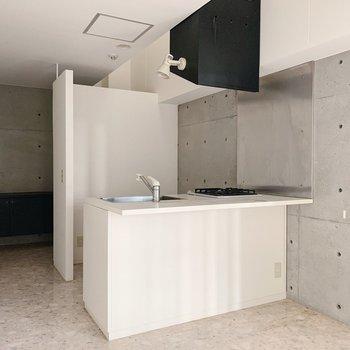 では、キッチンを見てみましょう。