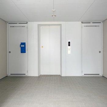 共用部も広いのでお引越しも楽々ですね。お部屋まではエレベーターで!