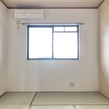 【和室】和室にはエアコンがあります。