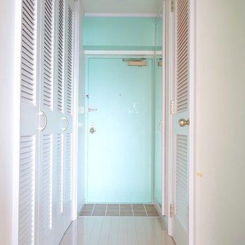 廊下の扉には・・・(※写真は7階の反転間取り別部屋のものです)