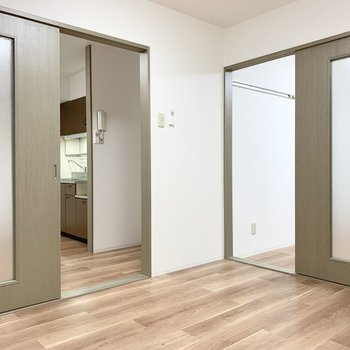 【洋6】こちらも2アクセスのお部屋です。(※写真は1階の同間取り別部屋のものです)
