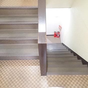 共用部】階段でお部屋まで。