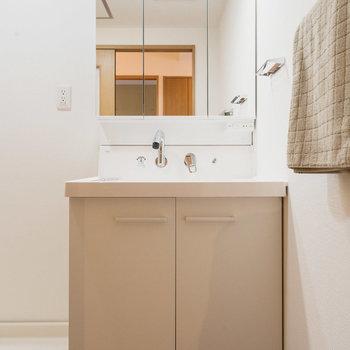 洗面台は新しいものがついています!※写真は同間取りの別部屋