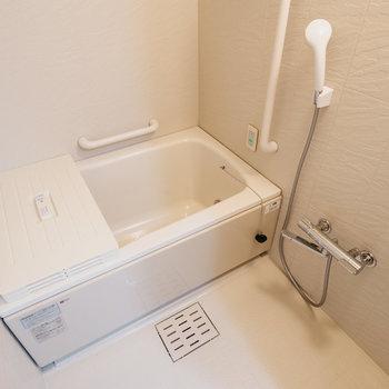 お風呂はこんな感じ。※写真は同間取りの別部屋