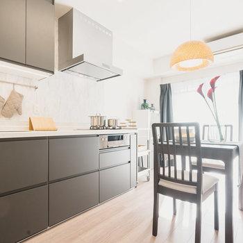 DKにはイケアのキッチンを設置!※写真は同間取りの別部屋、家具は付属しません