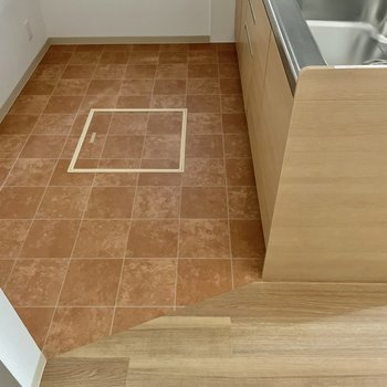 【1階:リビング】みて。床クロスがちがうの!(※写真は1階の同間取り別部屋のものです)
