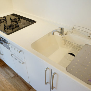 【イメージ】3口ガスのコンロで調理スペースも十分!贅沢!