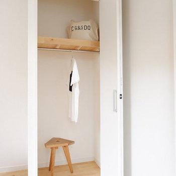 【イメージ】少しコンパクトな収納が居室と廊下に1つずつ!どちらも折れ戸でスペースを取りません。