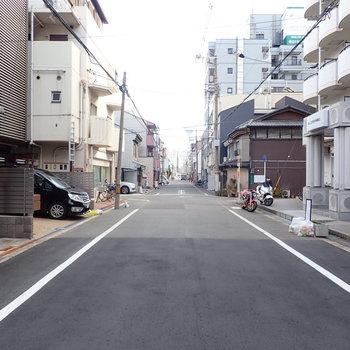 周辺環境】あたりは住宅街です。でも駅までは徒歩約2分!
