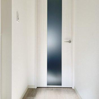 小さくても玄関ホールが設けられているのがうれしいですね。