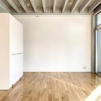 天井が高く気持ちの良い空間です。