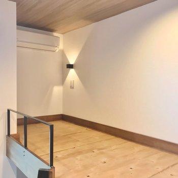 余った空間にはケースを置いて収納に◎(※写真は2階の同間取り別部屋のものです)