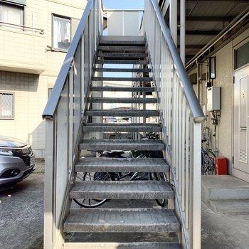 階段は比較的緩やかでした。
