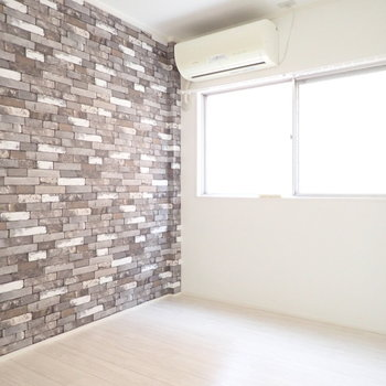 【洋室4.5帖】こじんまりとした寝室や、書斎に。※写真は3階同間取り・別部屋のものです。