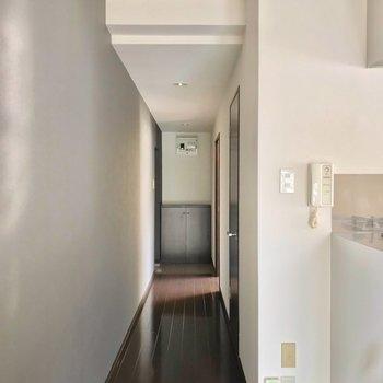 実は廊下側にも1部屋あるんですよ。