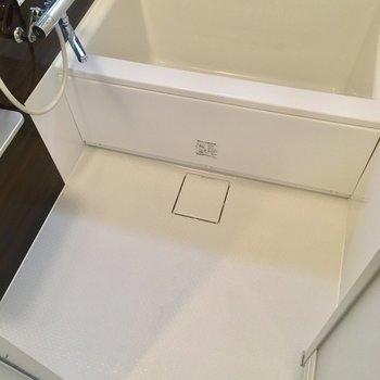 お風呂の洗い場広いですね。※写真は10階の同間取り別部屋のものです