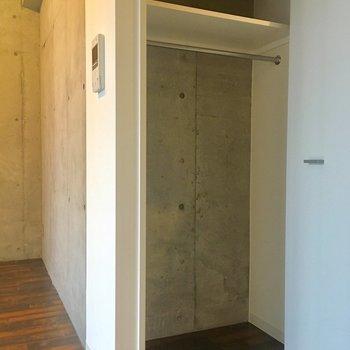 がらっ。ワンシーズン分入るかな。※写真は10階の同間取り別部屋のものです