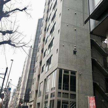 コンクリートの建物です。