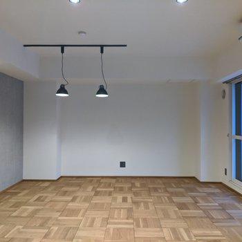 【LDK】約16.6帖なので広々〜。テーブルやソファなど大型家具が置けます。