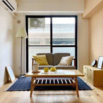 奥側に家具を寄せると広く見えていいですね!