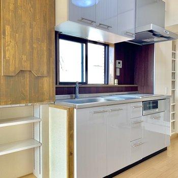 収納スペースもしっかりあるキッチン。※写真は前回募集時のものです。