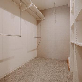 壁は調湿機能のある素材が使われています。