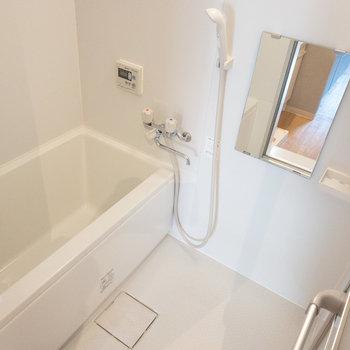 お風呂にも窓があるので、換気しやすくて◎