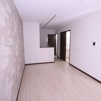 LA'room B