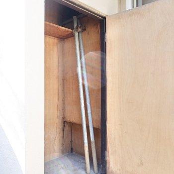 物置スペースにはアウトドア用品など普段使わない大物を。