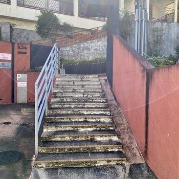 こちらは1階につながる入口。