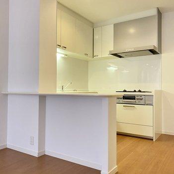 お気に入りのキッチンはコの字型。メリットがたくさん。