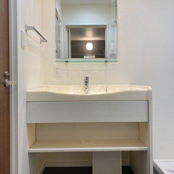 洗濯、お風呂用品は下のスペースに収納してもいいですね。