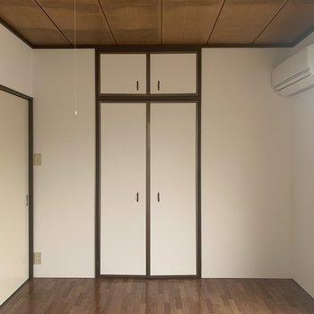 【洋室6帖】押入を開けてみましょう。※写真は2階の反転間取り別部屋のものです