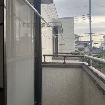 物干し竿がかけられます。※写真は2階の反転間取り別部屋のものです