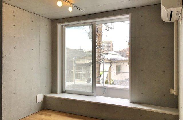 玉川台のアパートメント A棟の内観