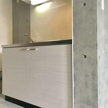 キッチンはすこしの高級感。※写真は3階の同間取り別部屋のものです