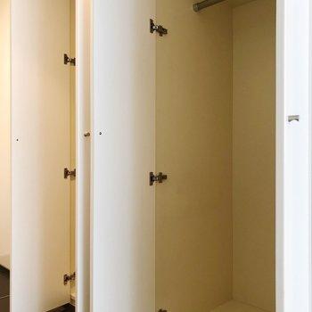 たっぷり2つ。収納力◎※写真は1階の反転間取り別部屋のものです。2021年1月下旬、先行申込可能のお部屋です。
