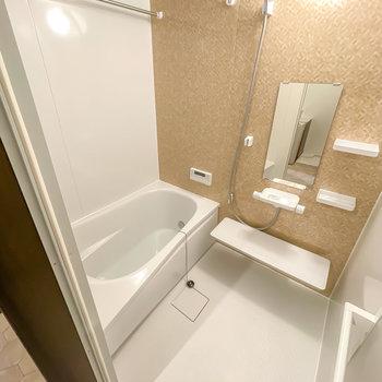 お風呂は追い焚き付きだからゆっくり温まれますね。さらに……