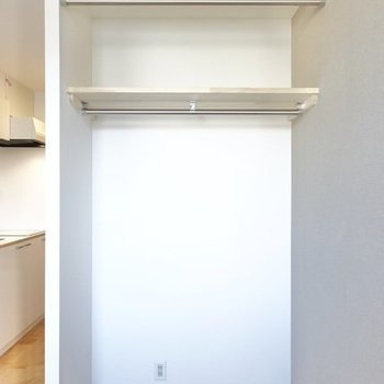 【イメージ】広めオープン収納で自由度高めです