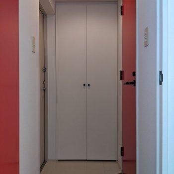 ゆとりのある玄関スペースです。