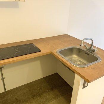 掃除しやすいIHコンロです。※写真はクリーニング前のものです