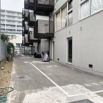 駐輪場やバイク置き場も。(空要確認)