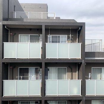 眺望は周辺のマンション。
